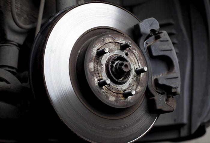 تعویض همزمان لنت ترمز و دیسک چرخ